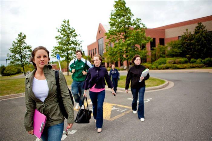 中国留学生选加拿大卑诗省留学点评
